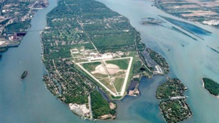 Medium aerial photo grosse ile